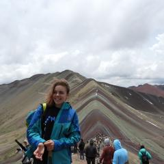Student Maginnis Connell shares her Peru adventures, including a hike up Rainbow Mountain.